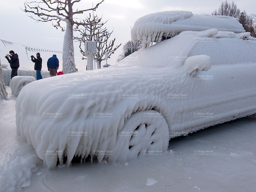 Astrita helado! 012-Switzerland-Frozen-car-Ice-Snow-Winter-2012