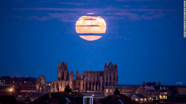 Il cielo del mese - Pagina 4 171203214148-06-supermoon-2017-restricted-exlarge-169