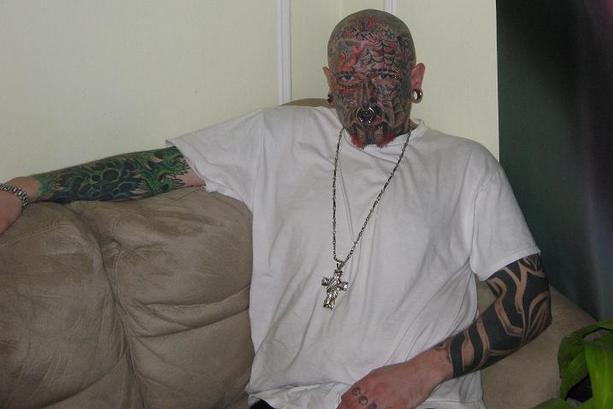 Par tetovējumiem - Page 6 83510038