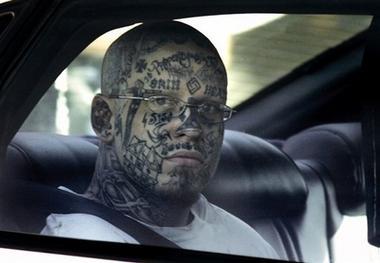 Par tetovējumiem - Page 7 83923632