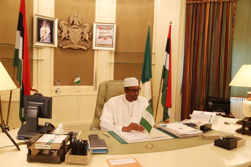 10 рабочих кабинетов президентов разных стран. 2_05