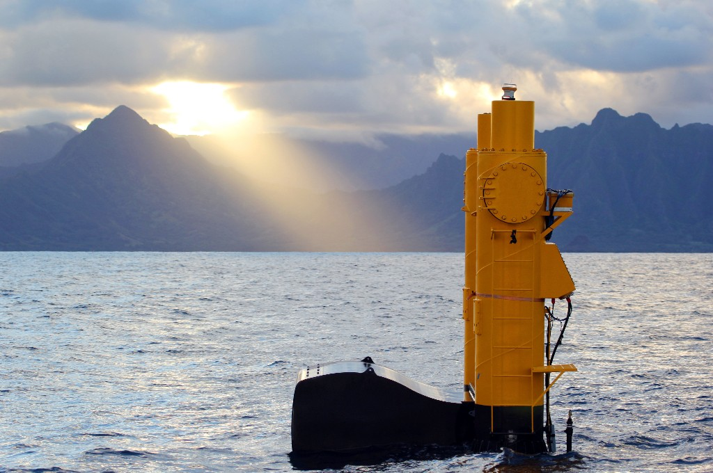 First wave-produced electricity in US goes online in Hawaii Large