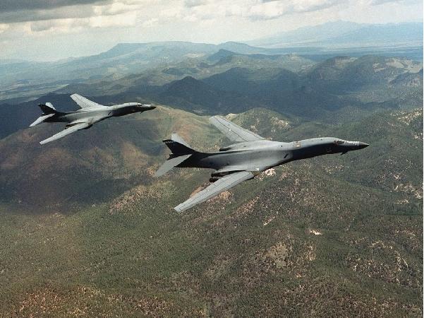 موسوعة القاذفات الاستراتيجية الروسية والامريكية B-1b_4