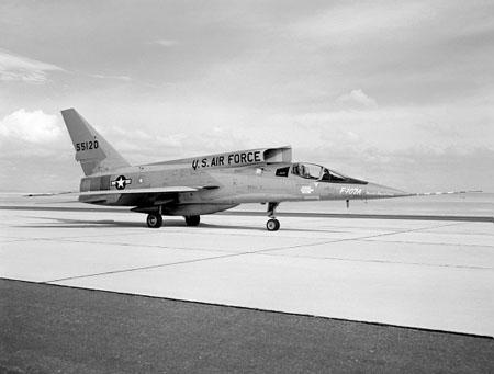 اسرع 50 طائرة في العالم F-107_1