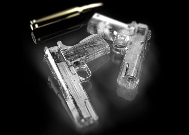 Mao di Lut Ima - Página 6 Handgun-Ice-Cube-Tray