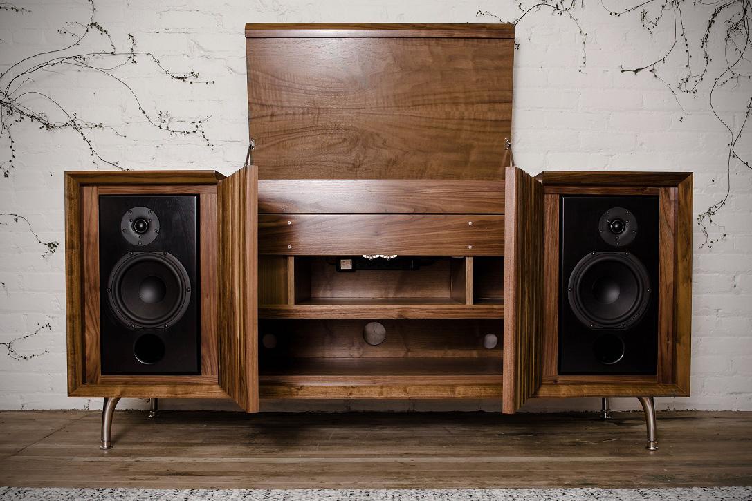 Nuevas consolas con diseño vintage Wrensilva-Standard-One-HiFi-Stereo-2