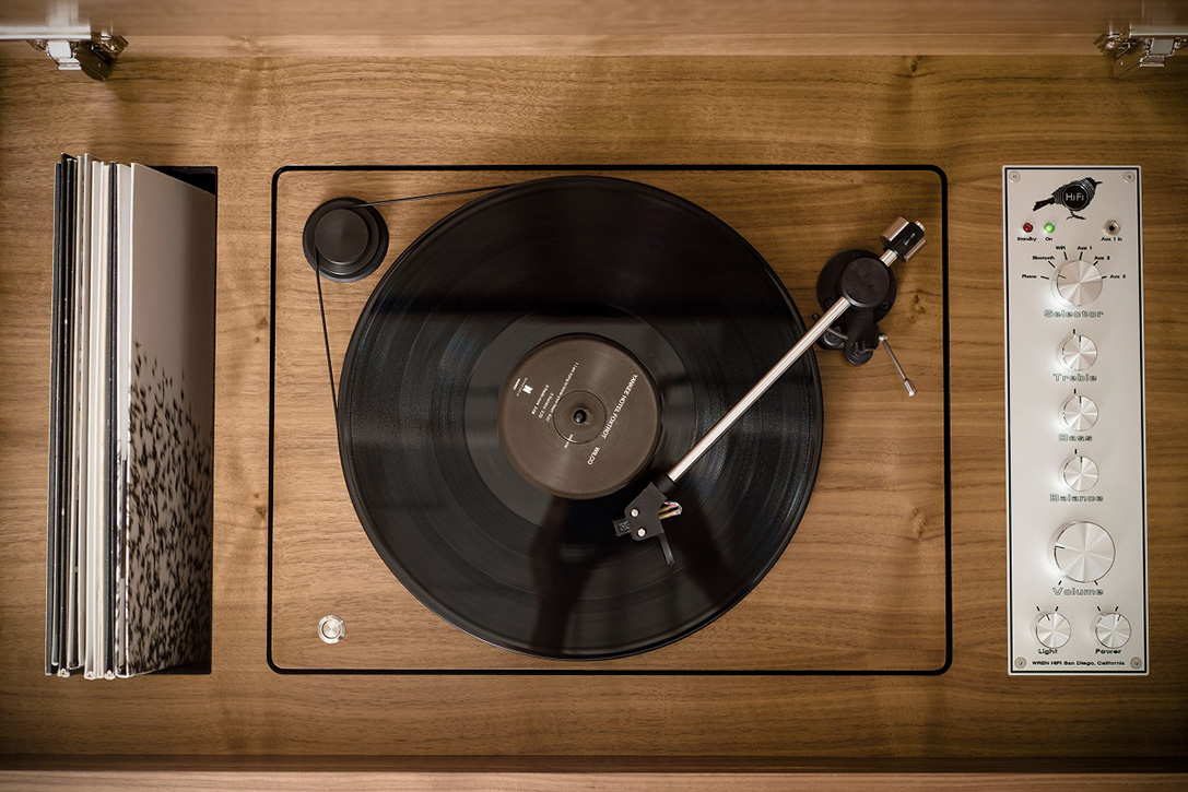Nuevas consolas con diseño vintage Wrensilva-Standard-One-HiFi-Stereo-5