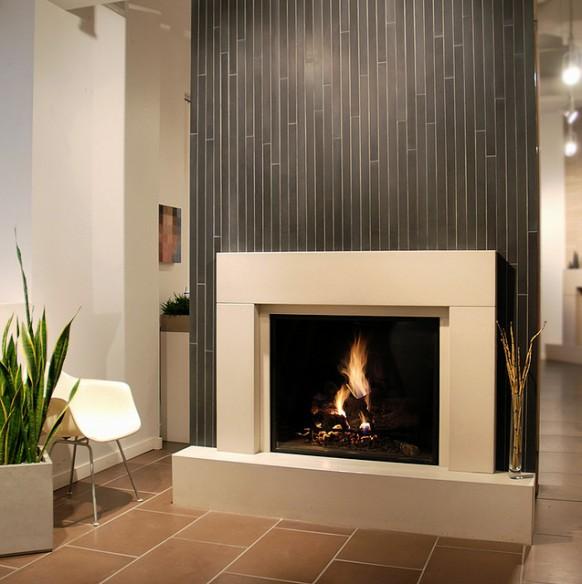 DECORACION  CHIMENEAS Y FALSAS CHIMENEAS - Página 3 Modern-fireplace-cast-concrete-tiles-western-theme-582x584