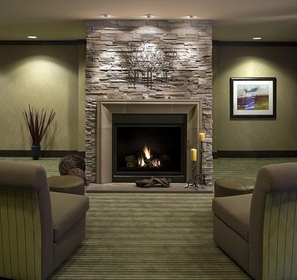 DECORACION  CHIMENEAS Y FALSAS CHIMENEAS - Página 3 Modern-fireplace-concrete-and-stone-livingroom-582x548