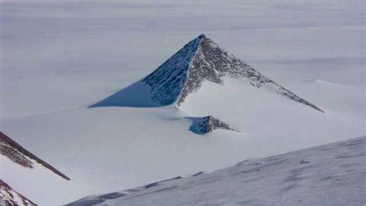 Просочившиеся военные кадры Антарктических пирамид Default-1480093547-cover-image