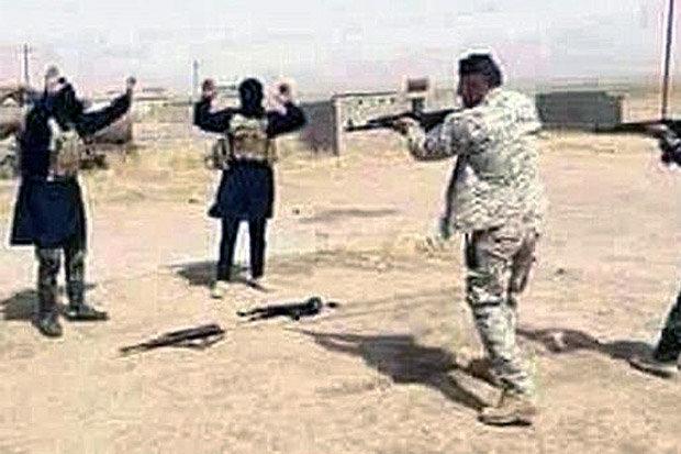 """الديلي ستار البريطانية:قوات خاصة بريطانية تشن حرب على داعش بسلاح """"المعاقب"""" في معارك شوارع مثيرة Isil-536205"""