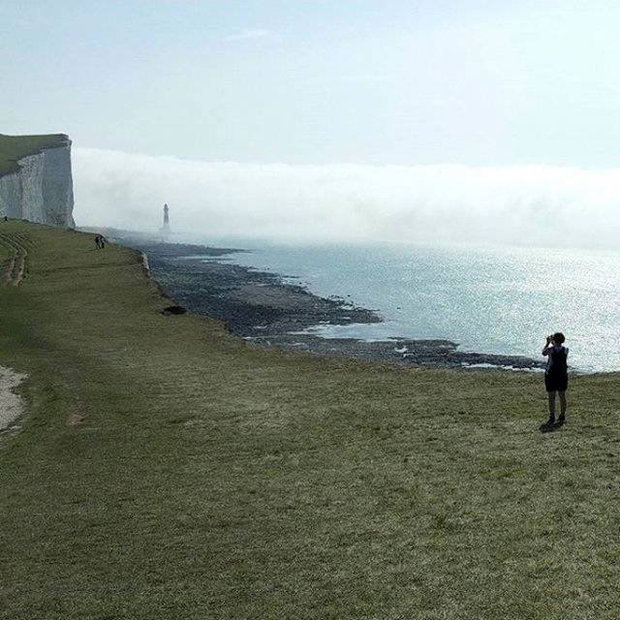 """Mysterious """"yellow cloud"""" hits Sussex beach  Mist-1057283"""