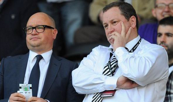 Novi trener? - Page 11 Newcastle-Newcastle-FC-Newcastle-Manager-Toon-Toon-army-Mike-Ashley-Lee-Charnley-Alan-Pardew-549475