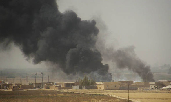 ISIS left so weakened by airstrikes and desertion it could be destroyed in just HOURS ISIS-358559