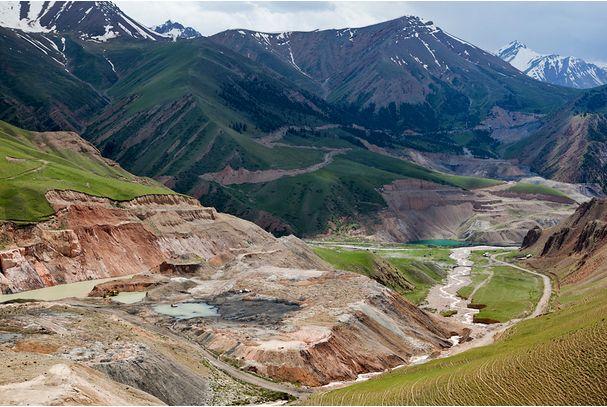 Kirguistán: Miles de presos en huelga de hambre. Kirguistan640