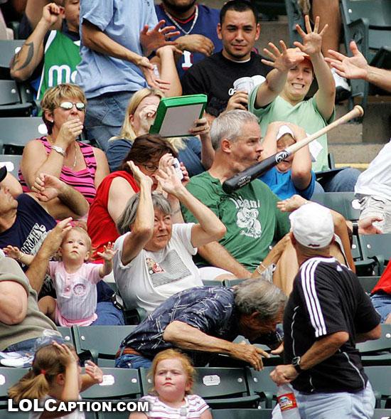 Smiješna strana sporta na slici - Page 4 Funny-moments-in-sport-photos-of-funny-sporting-misshaps-lolcaption-baseball-bat-to-the-face