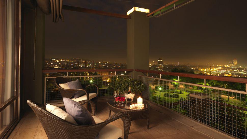 ODA Balcony - Page 2 005200-08-balcony-night-city-view