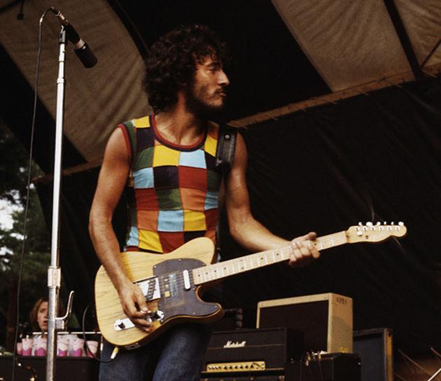 Guitarristas y su Guitarras (El Topic) Bruce-1975-corbis-630-80