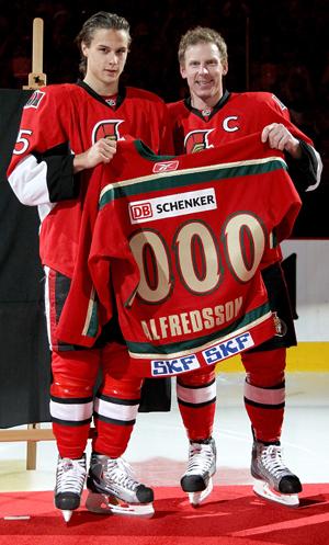 2010 IIHF World Hockey Tournament - Page 7 100410_alfiekarlsson
