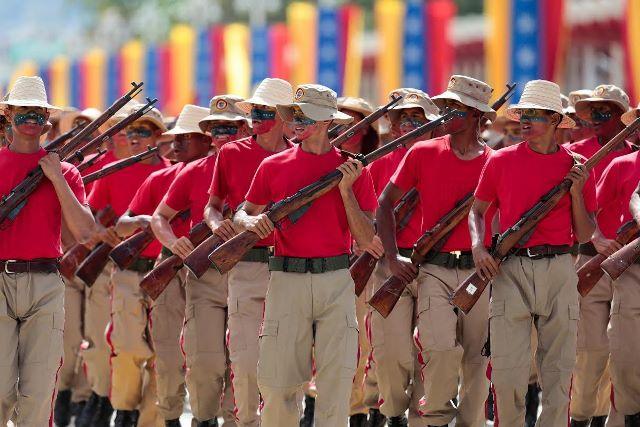 Venezuela Armed Forces - Page 2 DESFILE12
