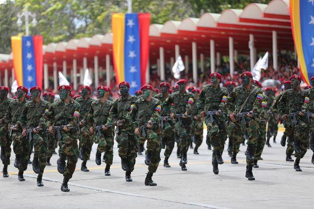 Venezuela Armed Forces - Page 2 DESFILE3