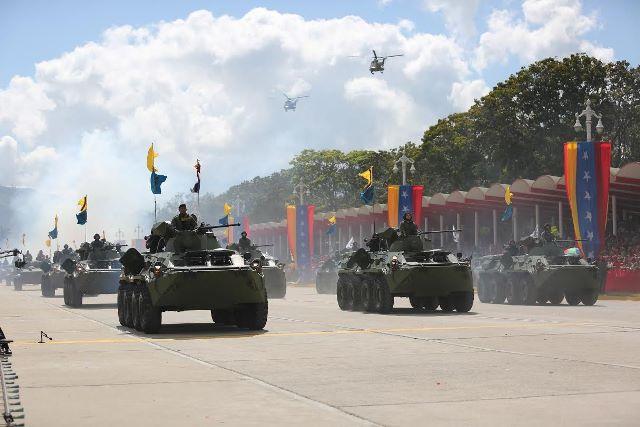 Venezuela Armed Forces - Page 2 DESFILE5