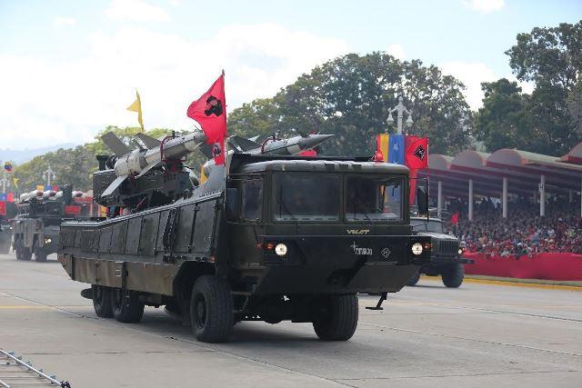 Venezuela Armed Forces - Page 2 DESFILE6