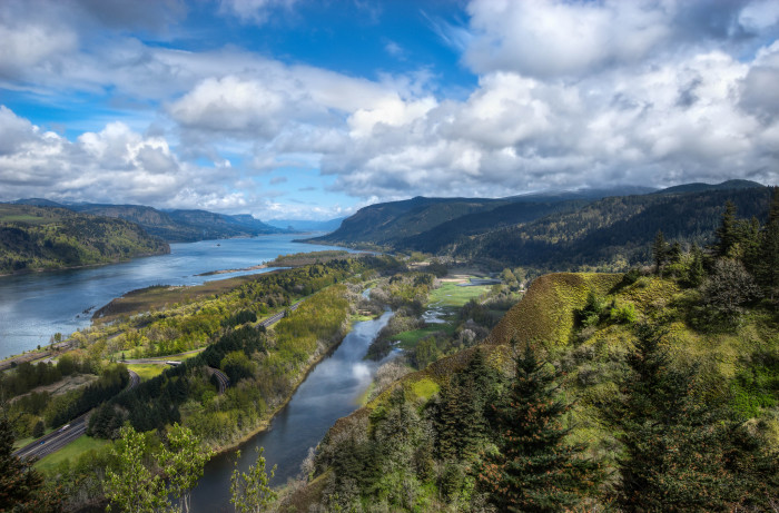 Pics of places that look like places from the films, or are just nice. [3] - Page 6 The-Columbia-River-Gorge-700x461