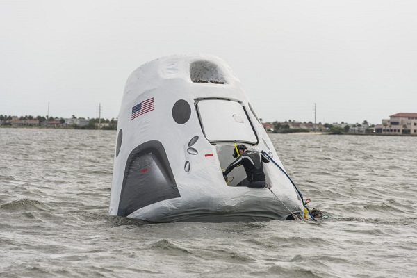 Falcon 9 (Dragon 2 Demo-1) - KSC - 02.03.2019 - Page 3 Dragon_water_recovery_training