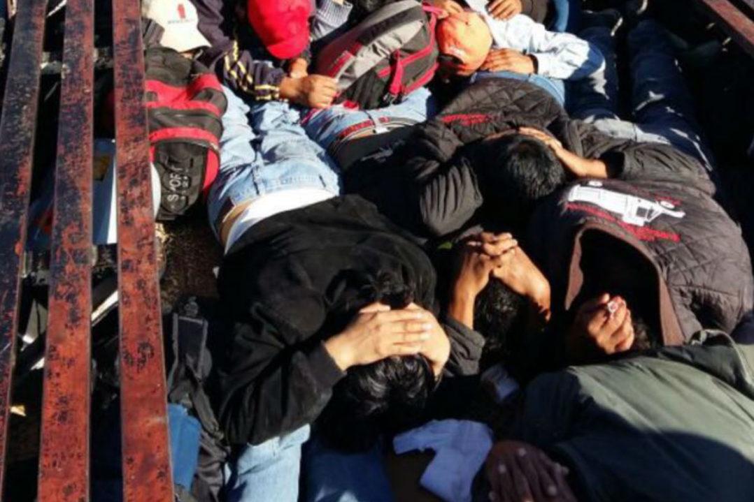 Operativo de la Policía Federal en Nochixtlan Oaxaca, deja 6 Maestros Muertos, 41 policias heridos y 53 civiles lesionados. - Página 2 Nochixtl%C3%A1n-5-1078x719