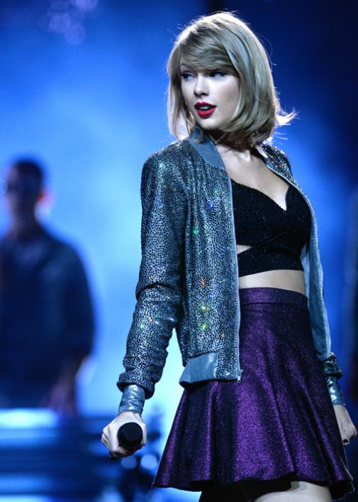 Taylor » News [DoSomething: celebridad más caritativa del mundo por cuarto año seguido.] - Página 38 Swift-taylor-lead-505