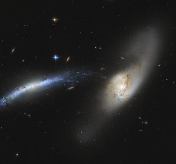 Hubble Space Telescope Spots Colliding Galaxy Pair Image_8959-Arp-283