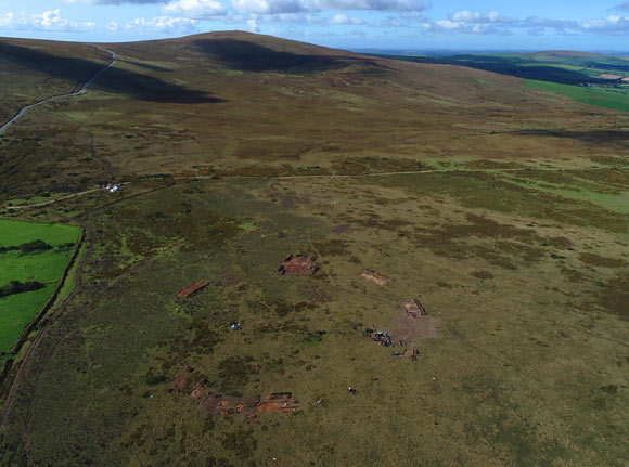 Archaeologists May Have Found 'Original Stonehenge' Image_9484_1-Waun-Mawn