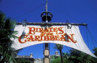 [Règle n°0] Votez pour votre attraction préférée de DLP : saison 2 terminée, nom du vainqueur page 15 - Page 4 62104-pirates-des-caraibes-disneyland-paris-pirates-of-the-caribbean-jack-sparrow