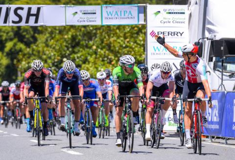 Victoires 2019 en images Stage-two-sprint-finish-nzcc-2019-10641--240119042242-480-328