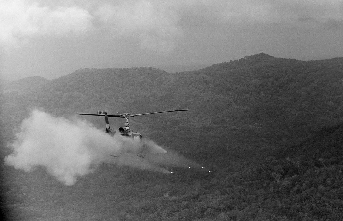 hélicoptères  Main_1200