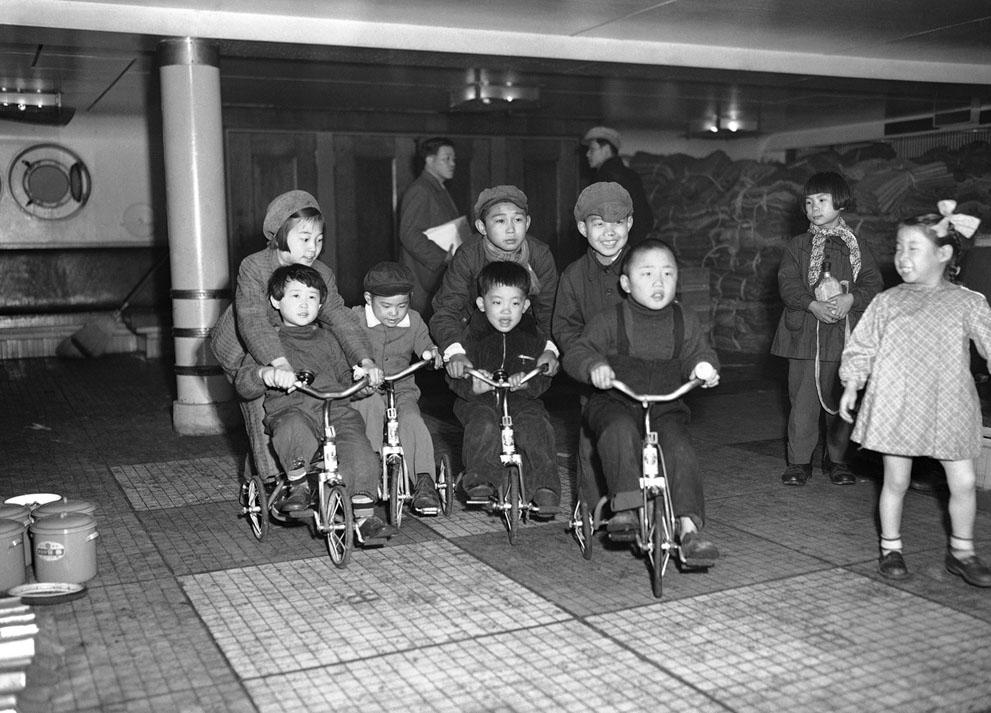 Japón en los años 50 S_j15_03240112
