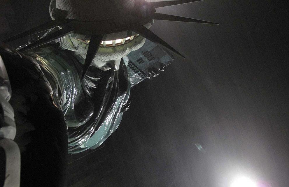 [The Big Picture] Tượng Nữ thần Tự do - 127 năm tại cửa ngõ của nước Mỹ S_l32_94398663