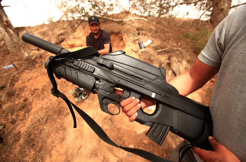 Libyan Rebel's Weapons Ingenuity S_r25_RTR2NE85