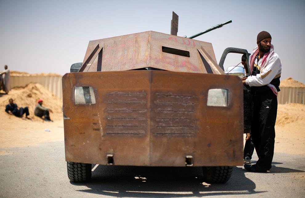 Libyan Rebel's Weapons Ingenuity S_r33_27129610