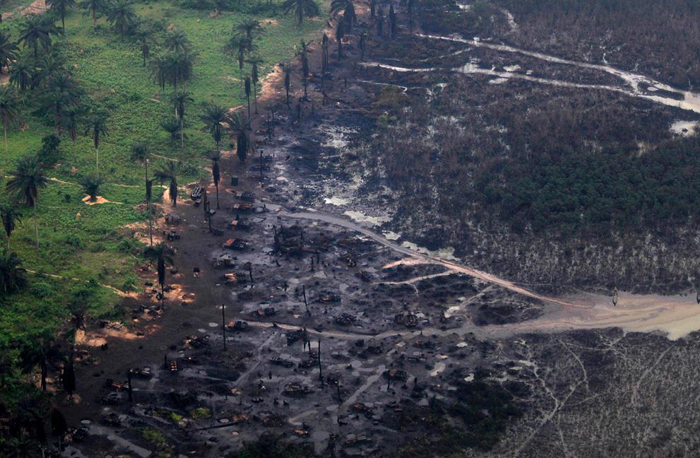 Nigeria: El Costo del Petróleo S_n13_RTR2KCXE