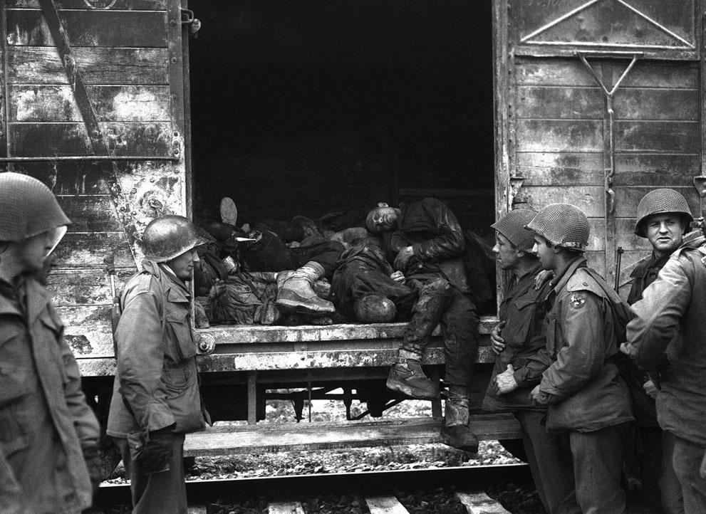 photos des camps de la mort, des ghettos, des prisonniers, des gardiens... S_w14_05031221