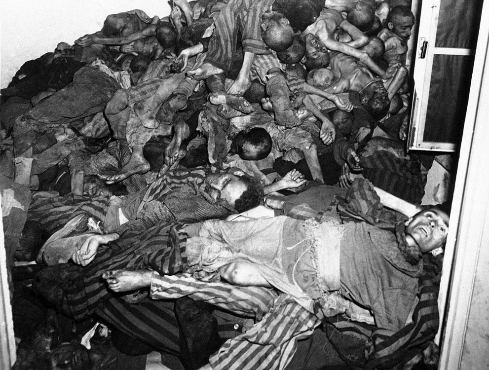 photos des camps de la mort, des ghettos, des prisonniers, des gardiens... S_w16_05140105