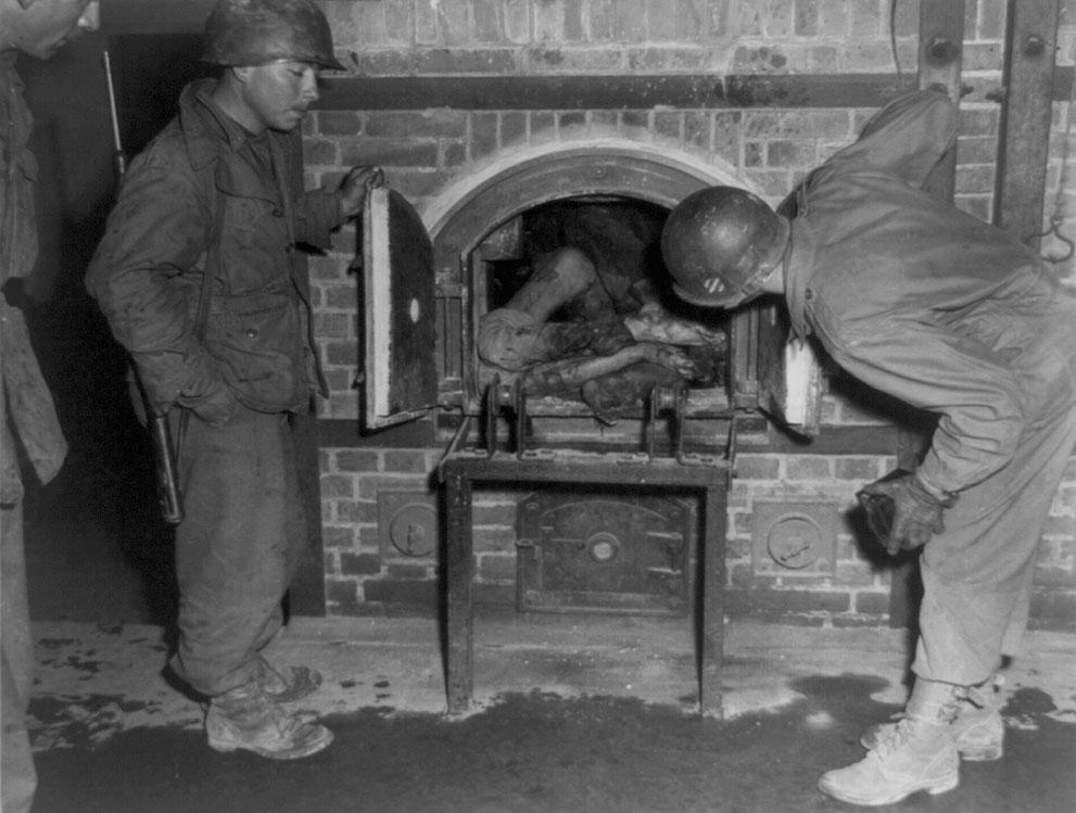 photos des camps de la mort, des ghettos, des prisonniers, des gardiens... S_w18_3b38440u