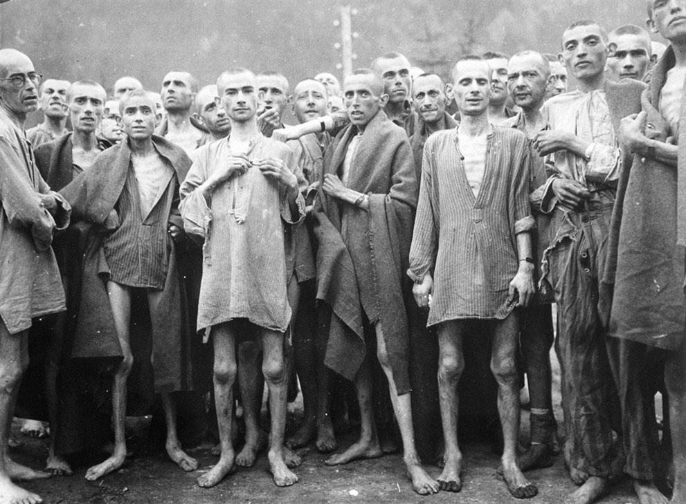 photos des camps de la mort, des ghettos, des prisonniers, des gardiens... S_w35_807500_1