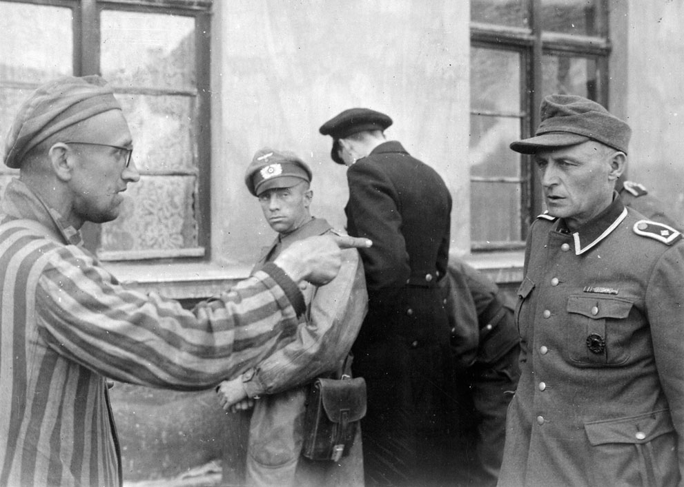 photos des camps de la mort, des ghettos, des prisonniers, des gardiens... S_w36_50414016