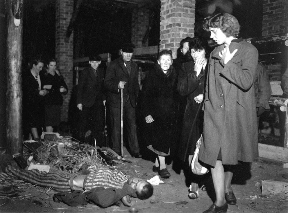 photos des camps de la mort, des ghettos, des prisonniers, des gardiens... S_w39_99-02782