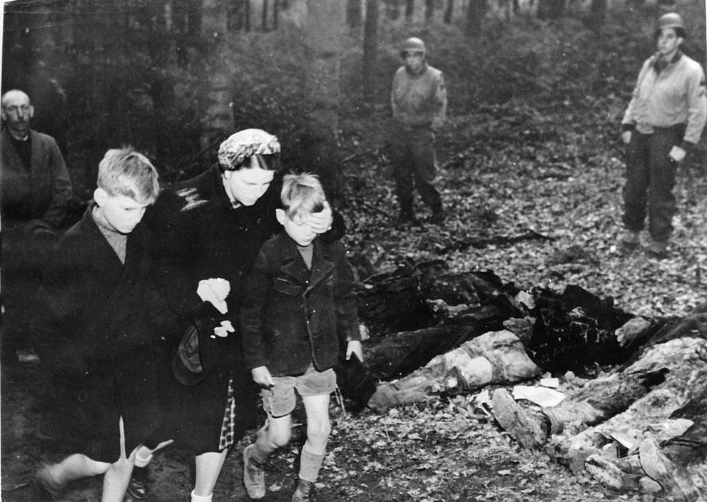 photos des camps de la mort, des ghettos, des prisonniers, des gardiens... S_w45_00000009