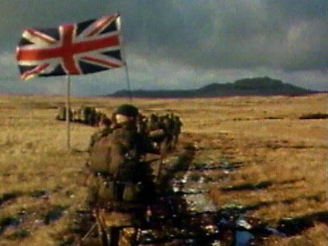 بريطانيا منعت فرنسا من بيع صواريخ ايكزوسيت لبيرو لنقلها الى الارجنتين لتدمر بها السفن البريطانية 120613FalklandsWarDUMMY_6296337