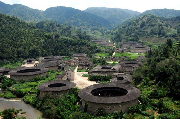 Narodna Republika Kina - Page 6 FujianTulou-Chuxi-Village-China